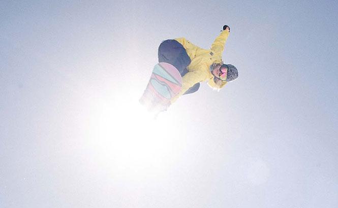 El tercero de la serie de cuatro vídeos, Burton presenta women [snowboard] cuenta con shots de Kimmy Fasani, Kelly Clark, Hannah Teter, Arielle Oro, Enni Rukajärvi y Cilka Sadar....