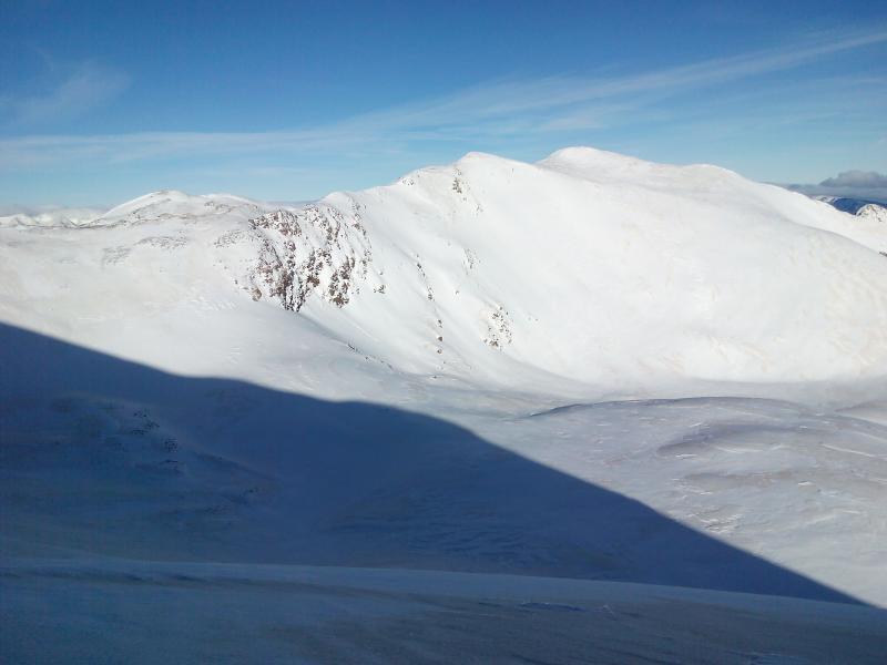 Desnivel: 652 metros (2.162m - 2.814m) Dificultad: Media. MBE-S3. Orientación: Sur      Duració...